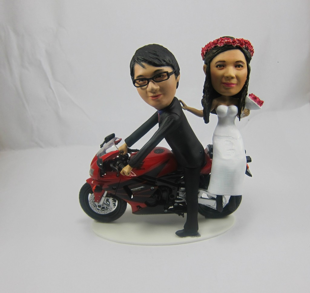3d printed mini me bobbleheads as unique wedding cake toppers. Black Bedroom Furniture Sets. Home Design Ideas