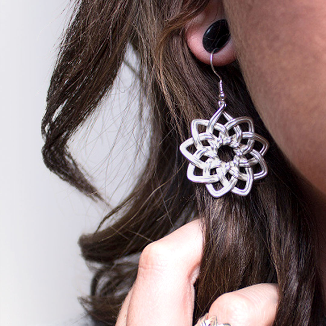 Fashionable 3D Printed Accessories For Birthday Debutants