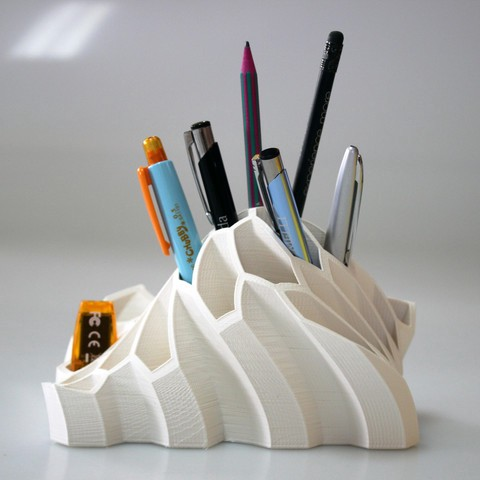 3D printed pen and pencil holder