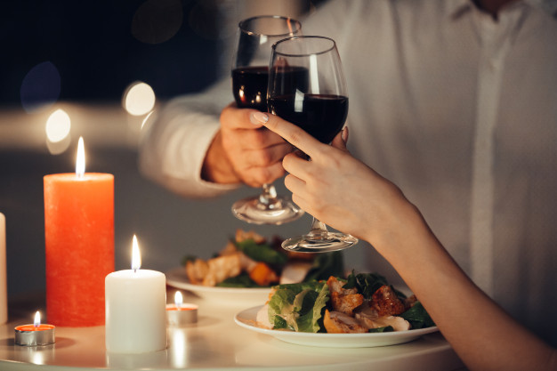 Valentine Gift Idea Romantic Dinner
